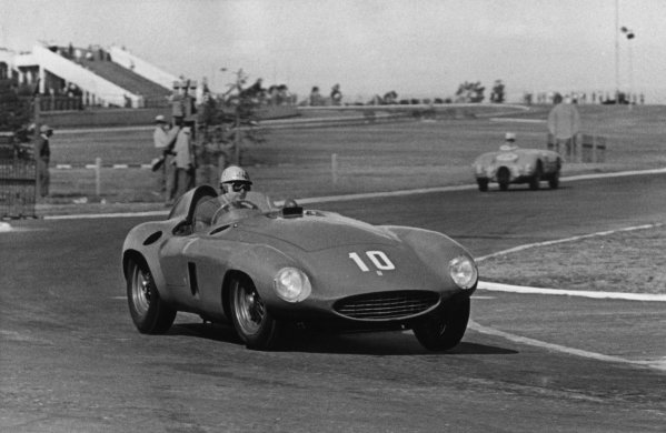 Buenos Aires, Argentina. 23rd January 1955. Rd 1 Maurice Trintignant /Froilan Gonzalez (Ferrari 118 LM), retired, action. World Copyright: LAT Photographic Ref:  B/W Print.
