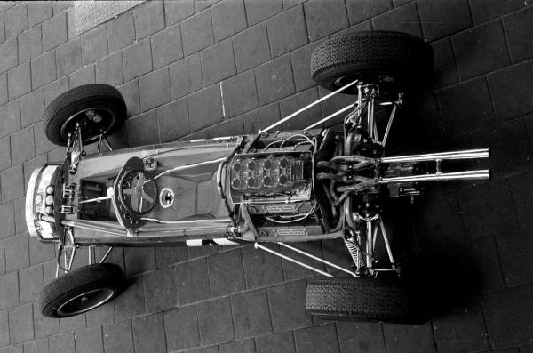 1962, The new Lotus 25 Climax first racing car to incorperate  a monocoque chassis