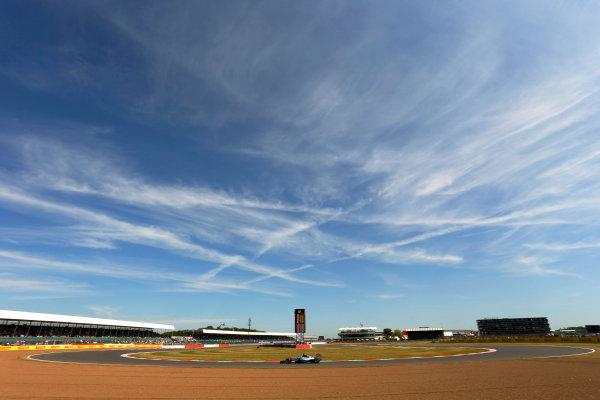 Silverstone Circuit, Northamptonshire, England. Friday 3 July 2015. Lewis Hamilton, Mercedes F1 W06 Hybrid. World Copyright: Andrew Ferraro/LAT Photographic ref: Digital Image _FER0542