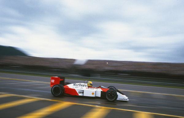 Jacarepagua, Rio de Janeiro, Brazil.1-3 April 1988.Ayrton Senna (McLaren MP4/4 Honda), DQ, action. World Copyright: LAT Photographic.Ref: 88BRA46