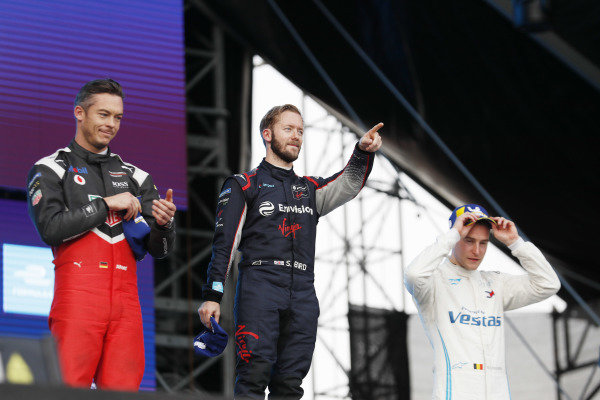 Andre Lotterer (DEU), Tag Heuer Porsche, Porsche 99x Electric, Sam Bird (GBR), Envision Virgin Racing, Audi e-tron FE06, and Stoffel Vandoorne (BEL), Mercedes Benz EQ Formula, EQ Silver Arrow 01, on the podium