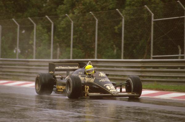 Estoril, Portugal.19-21 April 1985.Ayrton Senna (Lotus 97T Renault) 1st position.Ref-85 POR 02.World Copyright - LAT Photographic