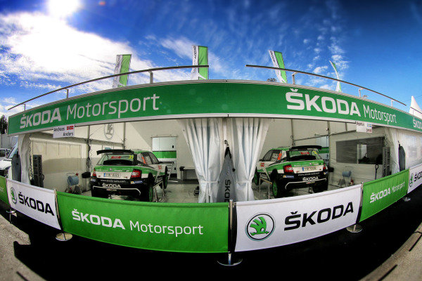 Skoda Motrosport Service at World Rally Championship, Rd6, Rally Portugal, Preparations and Shakedown, Matosinhos, Portugal, 18 May 2017.