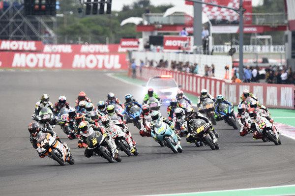 Aron Canet, Max Racing Team, Jaume Masia, Bester Capital Dubai, race start.