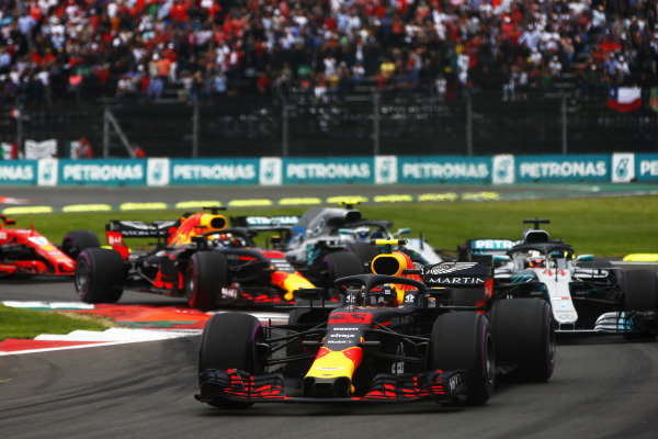Max Verstappen, Red Bull Racing RB14, leads Lewis Hamilton, Mercedes AMG F1 W09 EQ Power+, at the start of the race