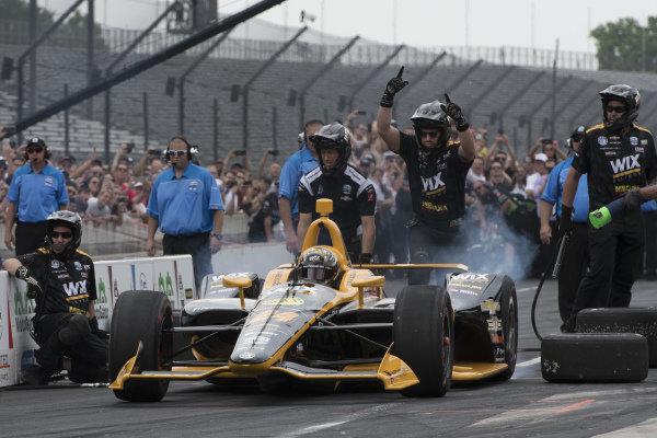 Sage Karam, Dreyer & Reinbold Racing Chevrolet, in pit stop competition.