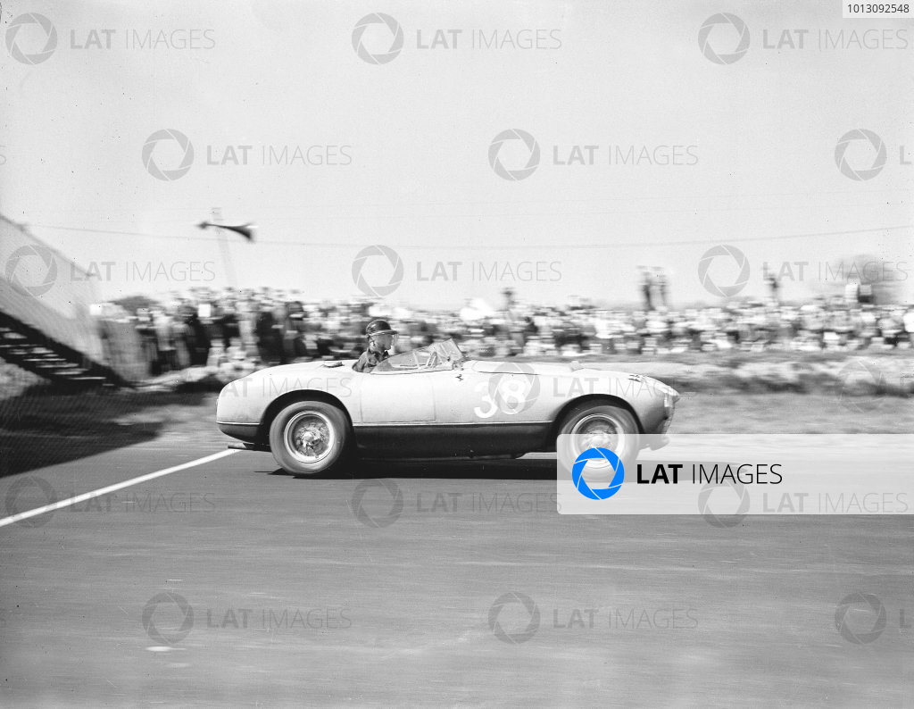 Silverstone, Great Britain.Mike Hawthorn (Ferrari).Ref-Motor 771/19.World Copyright - LAT Photographic