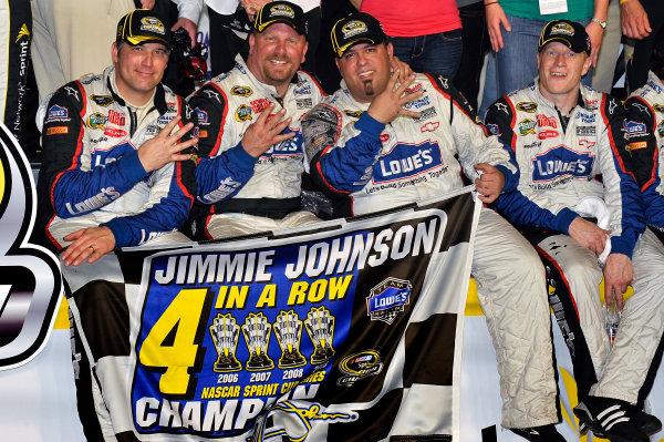 20-22 November, 2009, Homestead, Florida, USAJimmie Johnson team members celebrate 4 Championships. ©2009, LAT South, USALAT Photographic