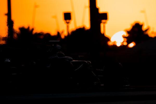 Yas Marina Circuit, Abu Dhabi, United Arab Emirates. Wednesday 29 November 2017. Carlos Sainz Jr, Renault R.S.17.  World Copyright: Zak Mauger/LAT Images  ref: Digital Image _56I7238