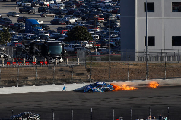 Monster Energy NASCAR Cup Series AAA Texas 500 Texas Motor Speedway Fort Worth, TX USA Sunday 5 November 2017 Kyle Larson, Chip Ganassi Racing, Credit One Bank Chevrolet SS, crash World Copyright: Michael L. Levitt LAT Images