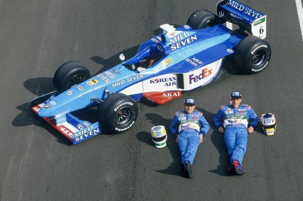 1998 Benetton B198 launch.Giancarlo Fisichella and Alex Wurz.World Copyright: LAT Photographic