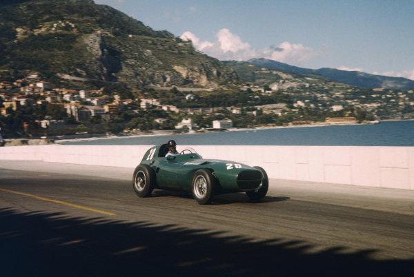 Monte Carlo, Monaco. 16-19 May 1957. Tony Brooks (Vanwall VW7) 2nd position.  Ref-57 MON 10. World Copyright - LAT Photographic