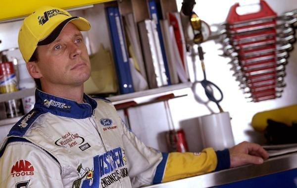 Dave Blaney (USA) Jasper Engines & Transmissions Ford.NASCAR Winston Cup Series, Rd 35, Pop-Secret Microwave Popcorn 400, Rockingham, North Carolina Speedway, USA, 8 November 2003.DIGITAL IMAGE