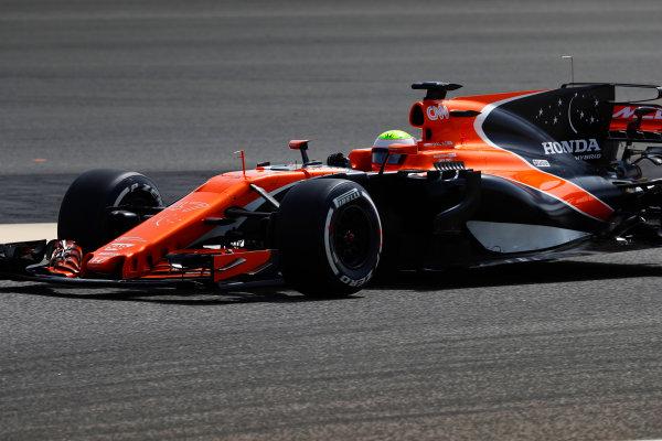 Bahrain International Circuit, Sakhir, Bahrain.  Tuesday 18 April 2017. Oliver Turvey, McLaren MCL32 Honda.  World Copyright: Glenn Dunbar/LAT Images ref: Digital Image _X4I2018