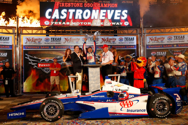 7-8 June, 2013, Fort Worth, Texas USA Helio Castroneves in victory lane with the winner's trophy ©2013, Lesley Ann Miller LAT Photo USA