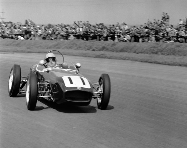 1960 International Trophy. Silverstone, England. 14th May 1960. Alan Stacey (Lotus 18 - Climax), 4th position, action.  World Copyright: LAT Photographic. Ref: 6329.