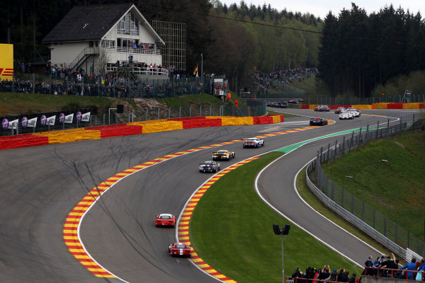 2015 FIA World Endurance Championship, Spa-Francorchamps, Belgium. 30th April - 2nd May 2015. Race Start Timo Bernhard / Mark Webber / Brendon Hartley Porsche Team Porsche 919 Hybrid leads. World Copyright: Ebrey / LAT Photographic.