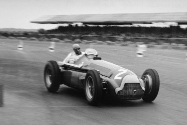 1951 British Grand Prix.Silverstone, Great Britain. 14 July 1951.Juan Manuel Fangio (Alfa Romeo 159), 2nd position.World Copyright - LAT Photographic