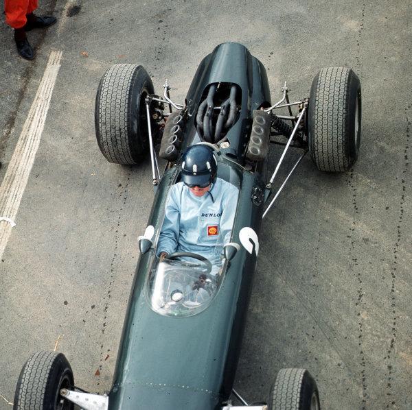 Watkins Glen, New York, USA. 1-3 October 1965. Graham Hill (BRM P261) 1st position. Ref-3/1847. World Copyright - LAT Photographic