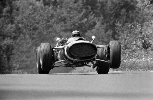 Jo Siffert, Cooper T81 Maserati.