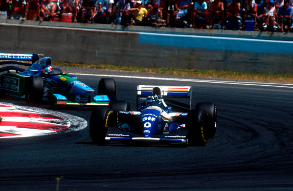 1994 French Grand Prix.Magny-Cours, France.30/6-2/7 1994.Damon Hill (Williams FW16 Renault) leads Michael Schumacher (Benetton B194 Ford).Ref-94 FRA 08.World Copyright - LAT Photographic