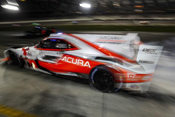 #6 Acura Team Penske Acura DPi, DPi: Juan Pablo Montoya, Dane Cameron, Simon Pagenaud, pit stop