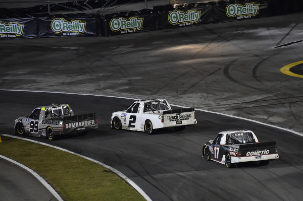 #99: Ben Rhodes, ThorSport Racing, Toyota Tundra Bombardier LearJet 75 leads.
