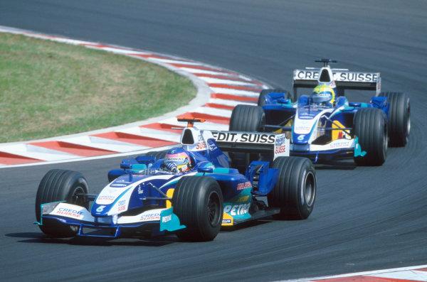 2005 Hungarian Grand Prix. Hungaroring, Hungary. 29th - 31st July 2005 Jacques Villeneuve, Sauber Petronas C24 leads team mate Felipe Massa, Sauber Petronas C24. Action. World Copyright: Michael Cooper/LAT Photographic Ref: 35mm Image A24