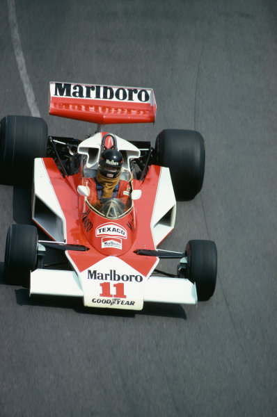 Monte Carlo, Monaco. 27th - 30th May 1976. James Hunt (McLaren M23-Ford), retired, action.  World Copyright: LAT Photographic.  Ref:  76 MON 48.