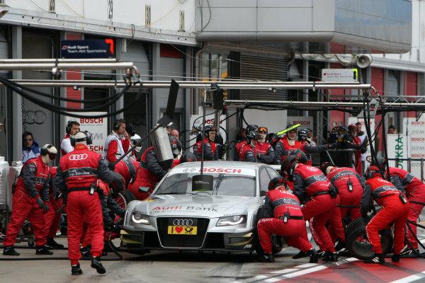 Pit stop for Miguel Molina (ESP), Audi Sport Rookie Team Abt, Audi Bank A4 DTM (2009).DTM, Rd10, Adria International Raceway, Italy. 29-31 October 2010 World Copyright: LAT Photographicref: dne1031oc105