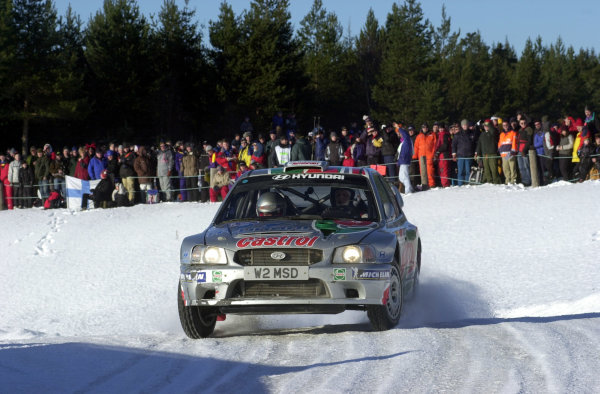 2001 World Rally Championship.   Swedish Rally. 9th - 11th February 2001. Rd 2. Alister McRae limps through stage four with a broken turbocharger. World Copyright: Ralph Hardwick/ LAT Photographic. Ref: AMcRae3