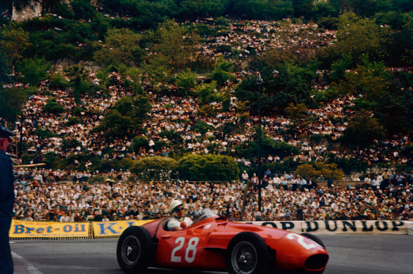 Monte Carlo, Monaco. 10th - 13th May 1956. Stirling Moss (Maserati 250F) 1st position, action. World Copyright: LAT PhotographicRef: 56 MON 01.