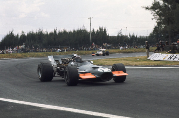 1969 Mexican Grand Prix.  Mexico City, Mexico. 17-19th October 1969.  Jackie Oliver, BRM P139.  Ref: 69MEX23. World Copyright: LAT Photographic