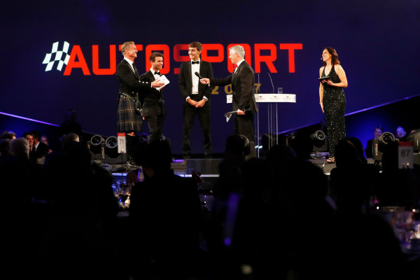 2017 Autosport Awards Grosvenor House Hotel, Park Lane, London. Sunday 3 December 2017. Derek Warwick receives an Award from Lando Norris and George Russell. World Copyright: Joe Portlock/LAT Images Ref: Digital Image _o3i6802