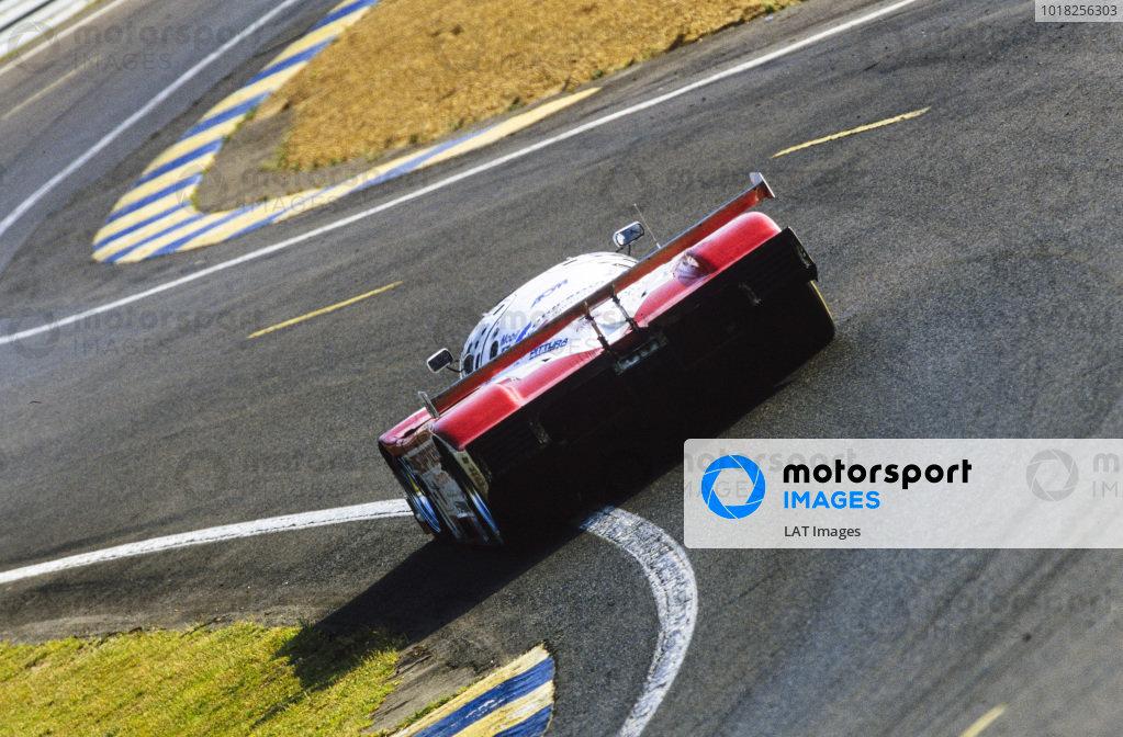 Eddie Irvine / Mauro Martini / Jeff Krosnoff, SARD Company Ltd, Toyota 94C-V LM - Toyota R36V.