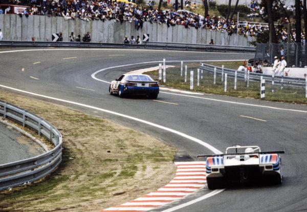 Billy Hagan / Gene Felton / Tom Williams, Stratagraph Inc., Chevrolet Camaro, leads Piercarlo Ghinzani / Riccardo Patrese / Hans Heyer, Martini Racing, Lancia LC1 Spider.