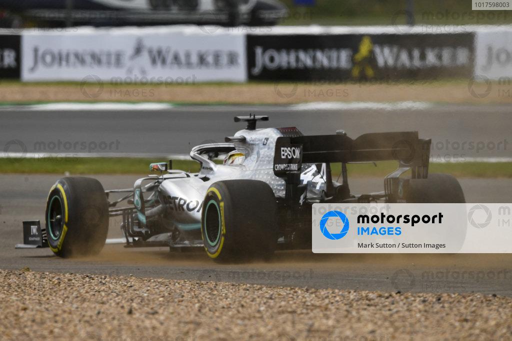 Lewis Hamilton, Mercedes AMG F1 W10 runs wide