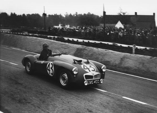 Le Mans, France. 23rd - 24th June 1951 George Phillips/Alan Rippon (MG TD), retired, action. World Copyright: LAT Photographic Ref: Autocar Glass Plate C29687.