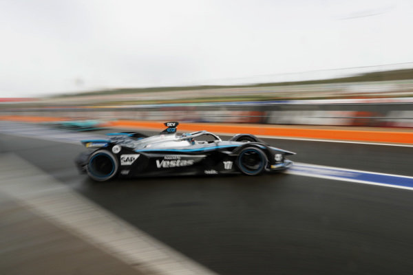 Nyck de Vries (NLD), Mercedes Benz EQ, EQ Silver Arrow 02, leaves the garage