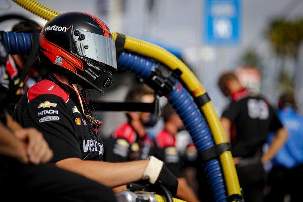 #12: Will Power, Team Penske Chevrolet crew member