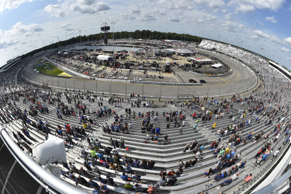 The Grid, #22: Austin Cindric, Team Penske, Ford Mustang Carshop