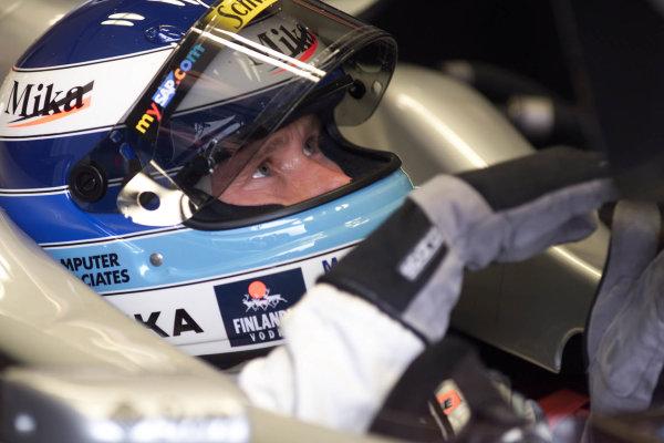 2000 British Grand Prix.Silverstone, England. 21-23 April 2000.Mika Hakkinen (McLaren Mercedes) 2nd position.World Copyright - LAT Photographic