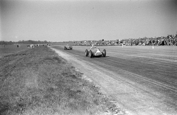 Luigi Fagioli, Alfa Romeo 158, leads Reg Parnell, Alfa Romeo 158.