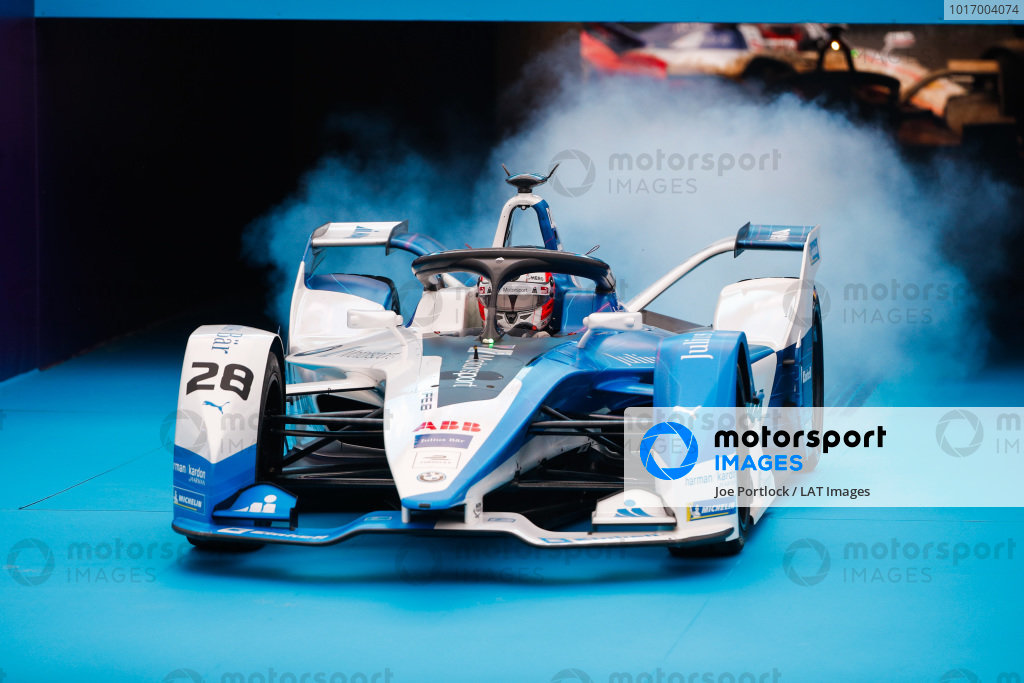 Antonio Felix da Costa (PRT), BMW I Andretti Motorsports, BMW iFE.18 pulls up in front of the podium