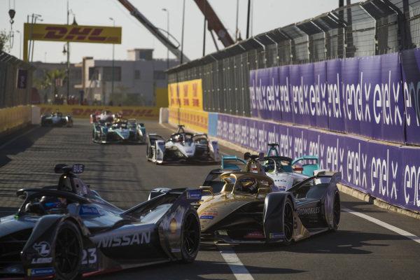 Sébastien Buemi (CHE), Nissan e.Dam, Nissan IMO1, leads Jean-Eric Vergne (FRA), DS TECHEETAH, DS E-Tense FE19