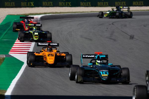Bent Viscaal (NLD, HWA RACELAB) and Sebastian Fernandez (ESP, Campos Racing)