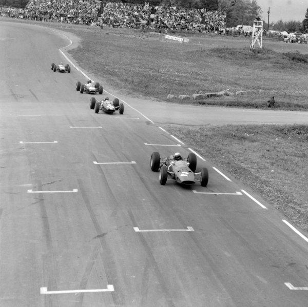 1965 United States Grand Prix.Watkins Glen, New York, USA. 1st-3rd October 1965.Lorenzo Bandini, Ferrari 1512, 4th position leads Mike Spence, Dan gurney and Jack Brabham, action.World Copyright - LAT Photographic.Ref- 31399