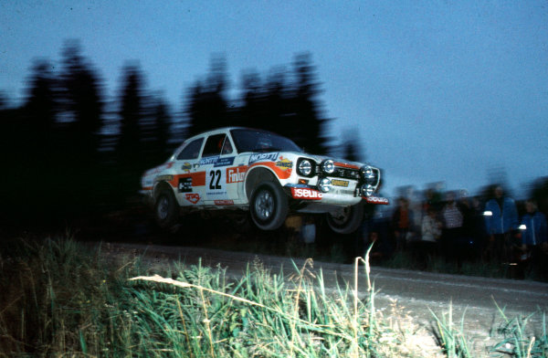 1975 World Rally Championship.  1000 Lakes Rally, Finland. 29th - 31st August 1975. Jussi Kynsilehto/Martin Holmes (Ford Escort RS1600), retired, airbourne, action. World Copyright - LAT Photographic