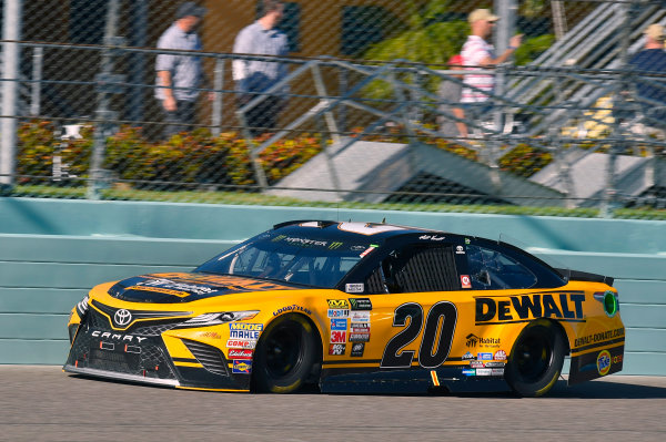 Monster Energy NASCAR Cup Series Ford EcoBoost 400 Homestead-Miami Speedway, Homestead, FL USA Sunday 19 November 2017 Matt Kenseth, Joe Gibbs Racing, DEWALT Hurricane Recovery Toyota Camry World Copyright: Nigel Kinrade LAT Images