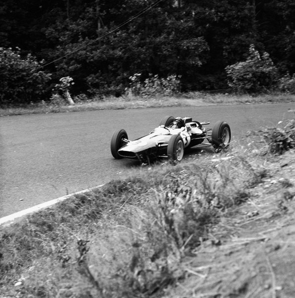 1963 German Grand Prix.Nurburgring, Germany.2-4 August 1963.Jim Clark (Lotus 25 Climax) 2nd position. Action. Ref-20670.World Copyright: LAT Photographic